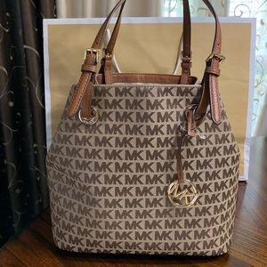 New Michael Kors purse bag